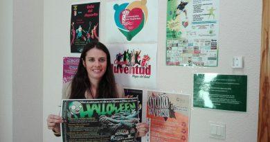 Elisabeth Martínez, concejala de Juventud, presenta la gymkhana zombie
