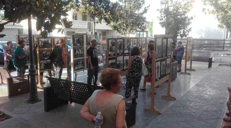 Vegas del Genil expone en las calles fotos de su archivo municipal, algunas con más de dos siglos
