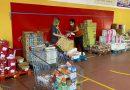 Vegas del Genil realiza un reparto especial de alimentos por la 'vuelta al cole' entre las familias más necesitadas